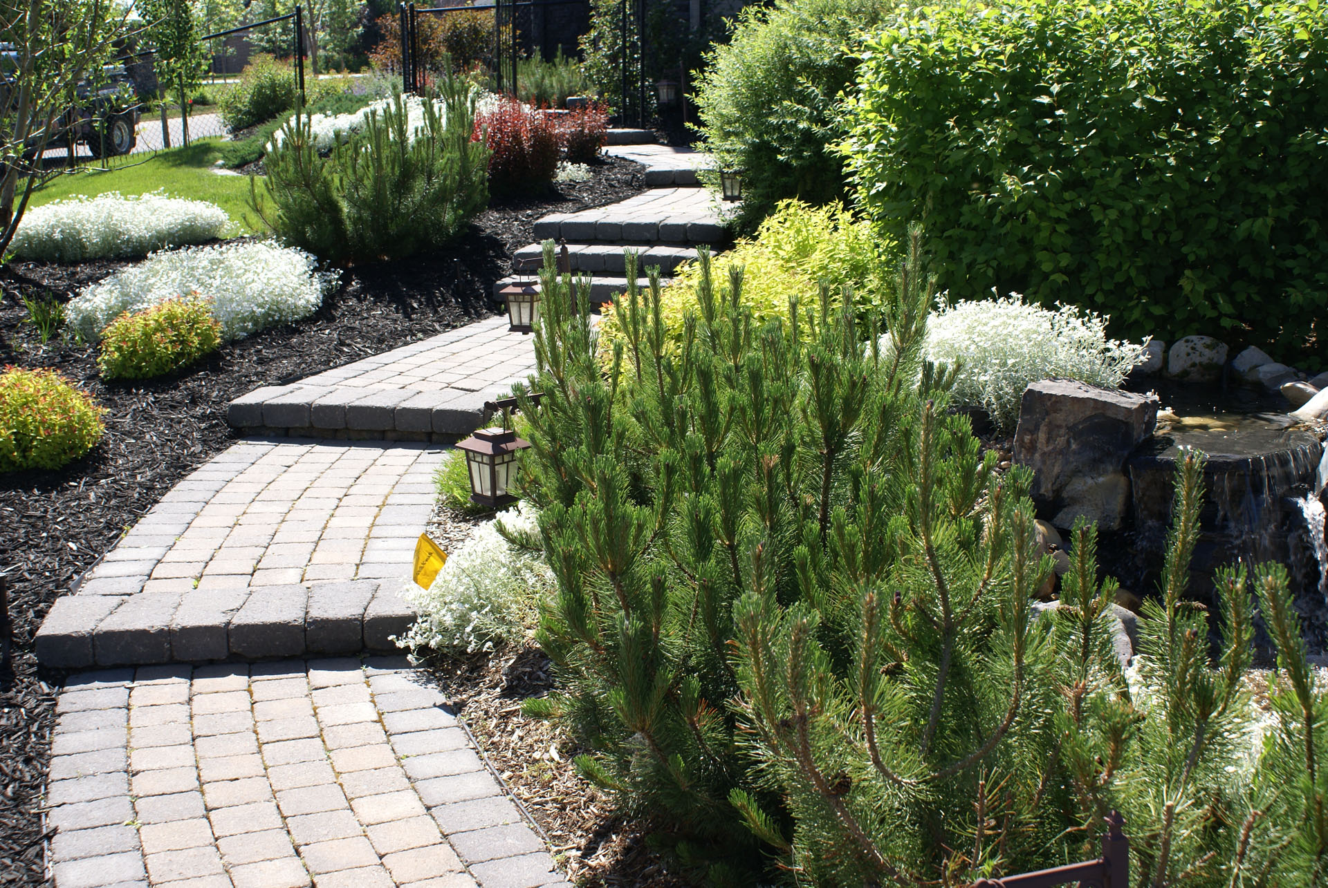 Residential landscaping peaks valleys landscaping for Residential landscaping